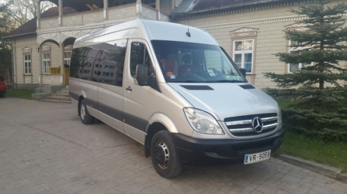Mercedes Benz Sprinter 19+1 pelēks